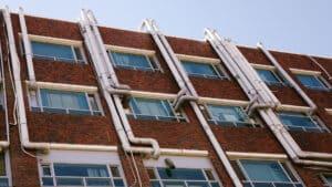 Comment réussir une évacuation en tube PVC?