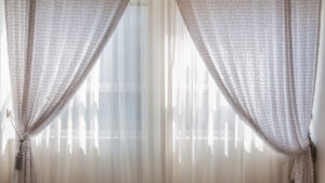 Confection de rideaux sur-mesure : pourquoi recourir à une entreprise spécialisée dans le domaine ?